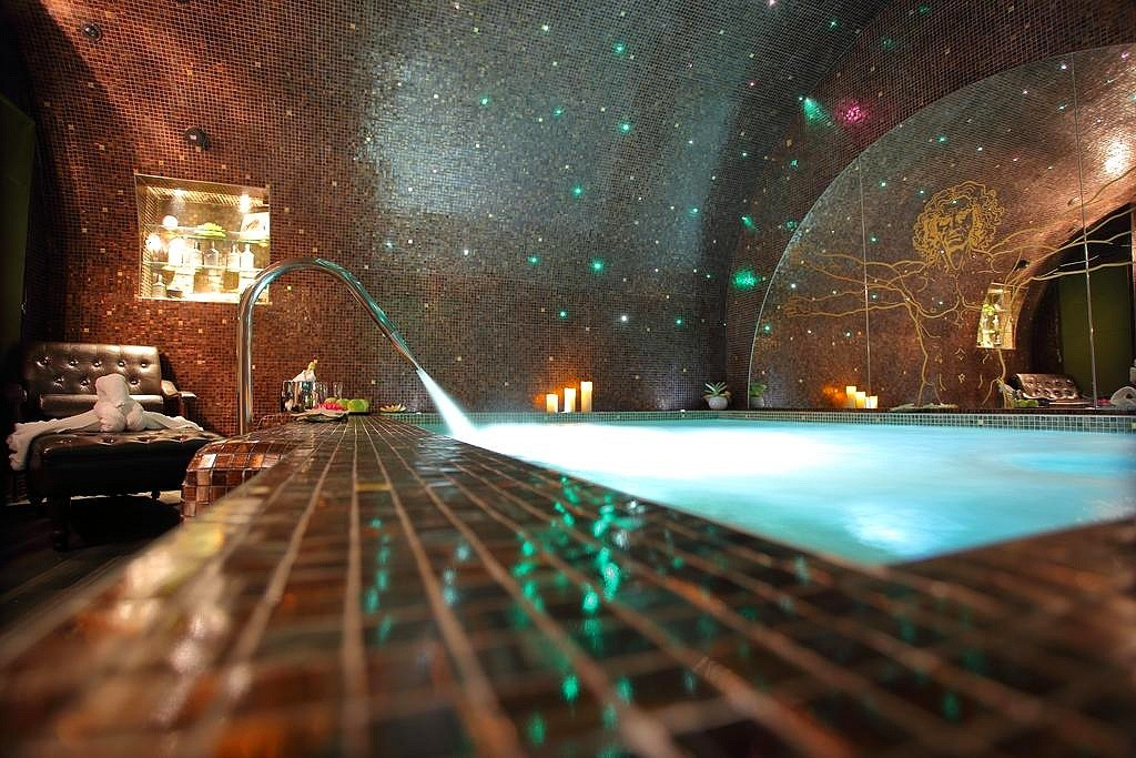 hotel paris privatif da vinci spa jacuzzi
