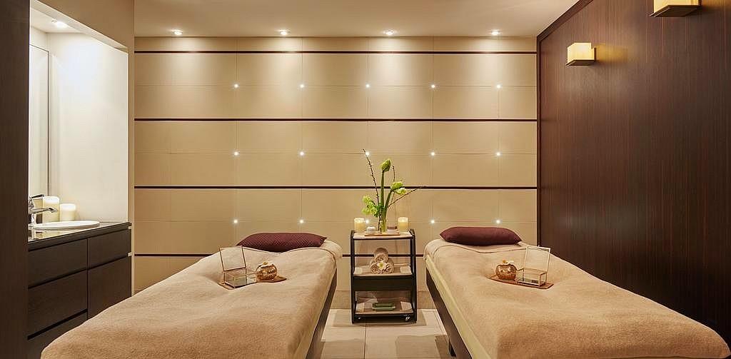 hotel privatif paris le burgundy couple