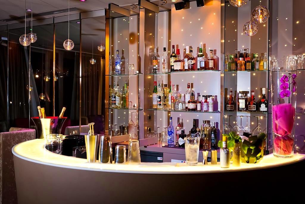 hotel privatif paris seven hotel bar