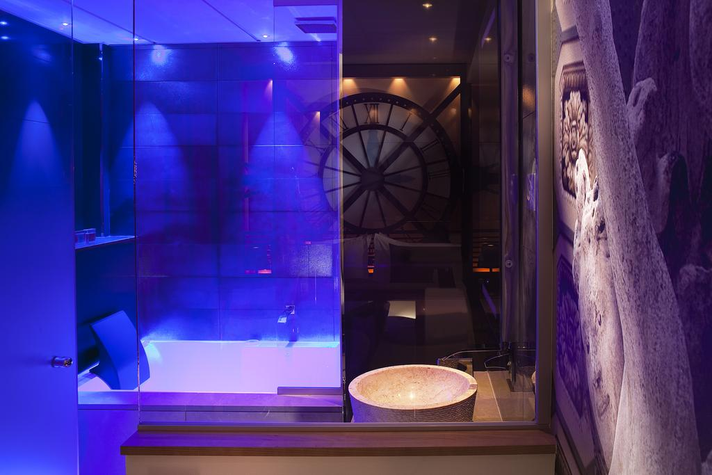 hotel paris privatif secret de paris baignoire spa relaxation couple