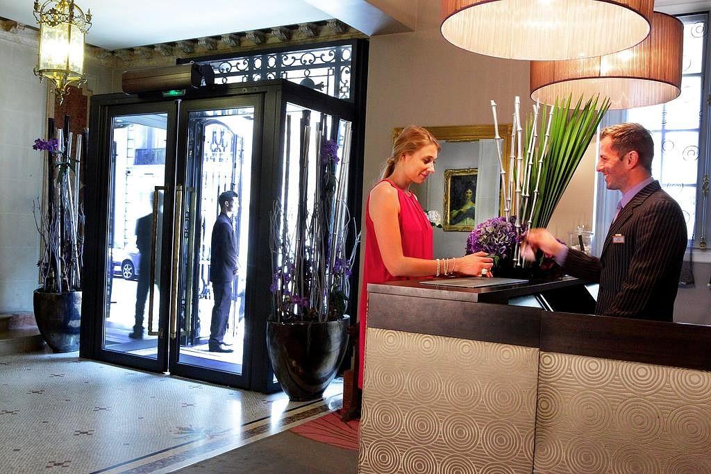 hotel privatif paris hotel champs elysee plaza spa