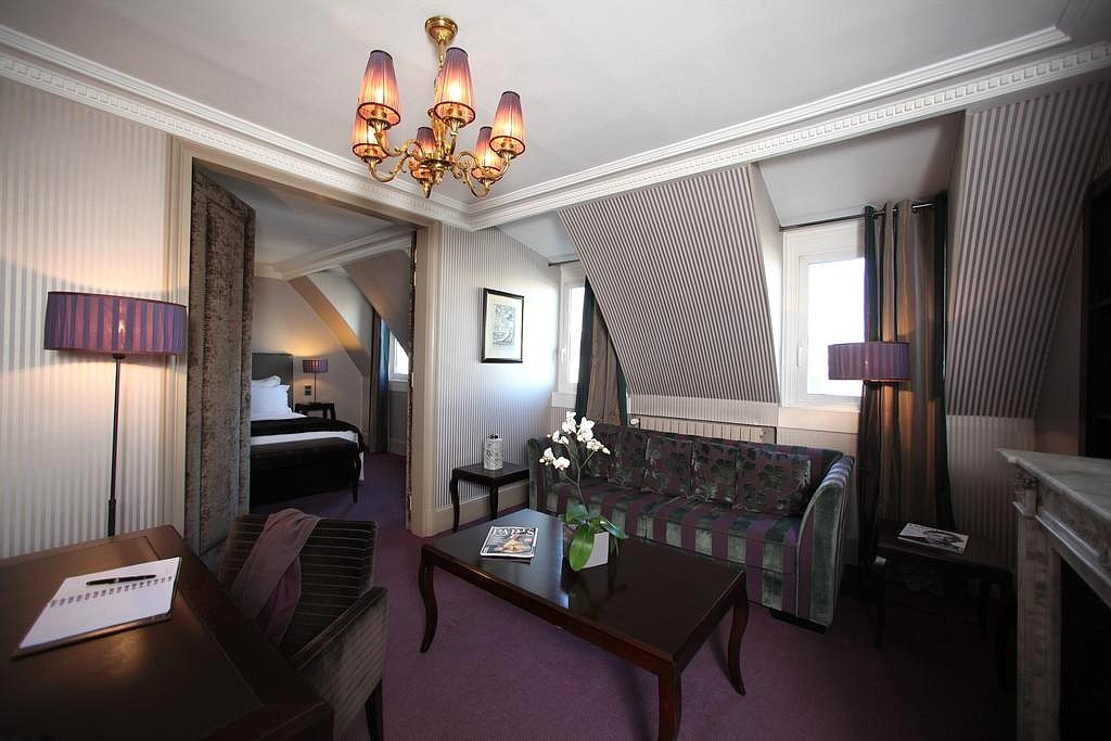 hotel privatif paris hotel champs elysee plaza suite spa