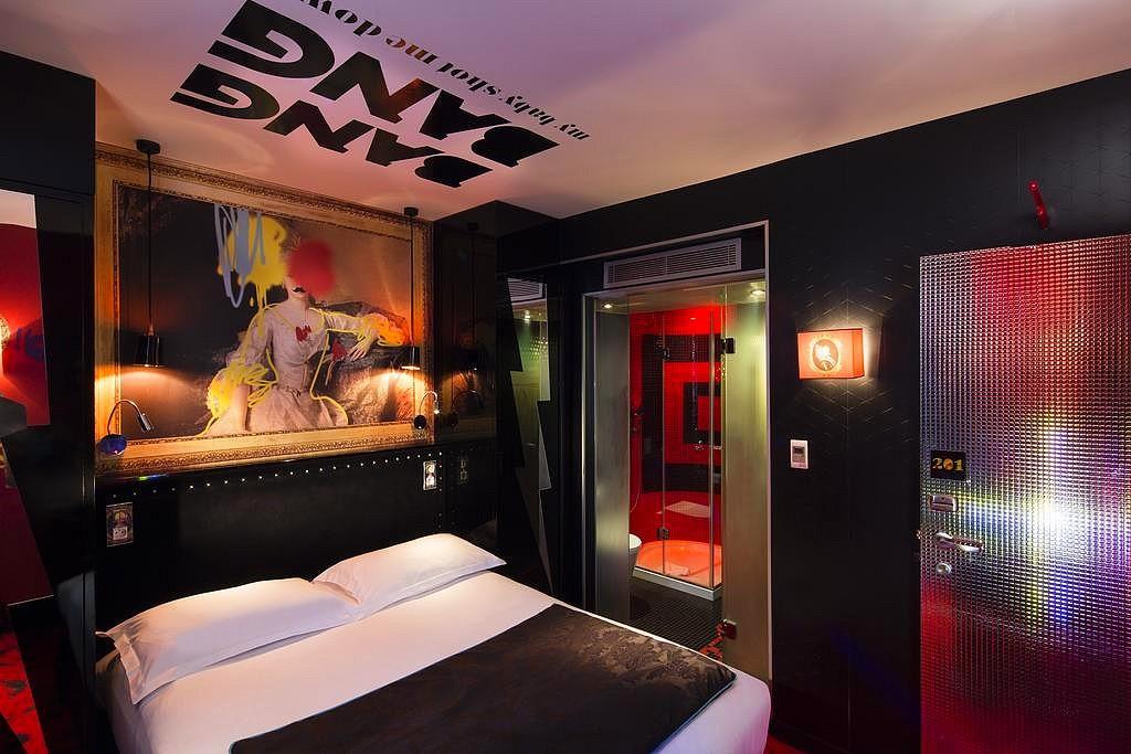 hotel privatif paris vice versa chambre rouge rose theme romantique