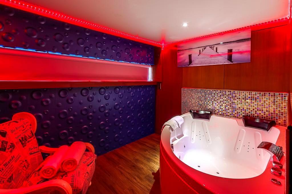 hotel privatif paris vip yacht chambre bateau romantique
